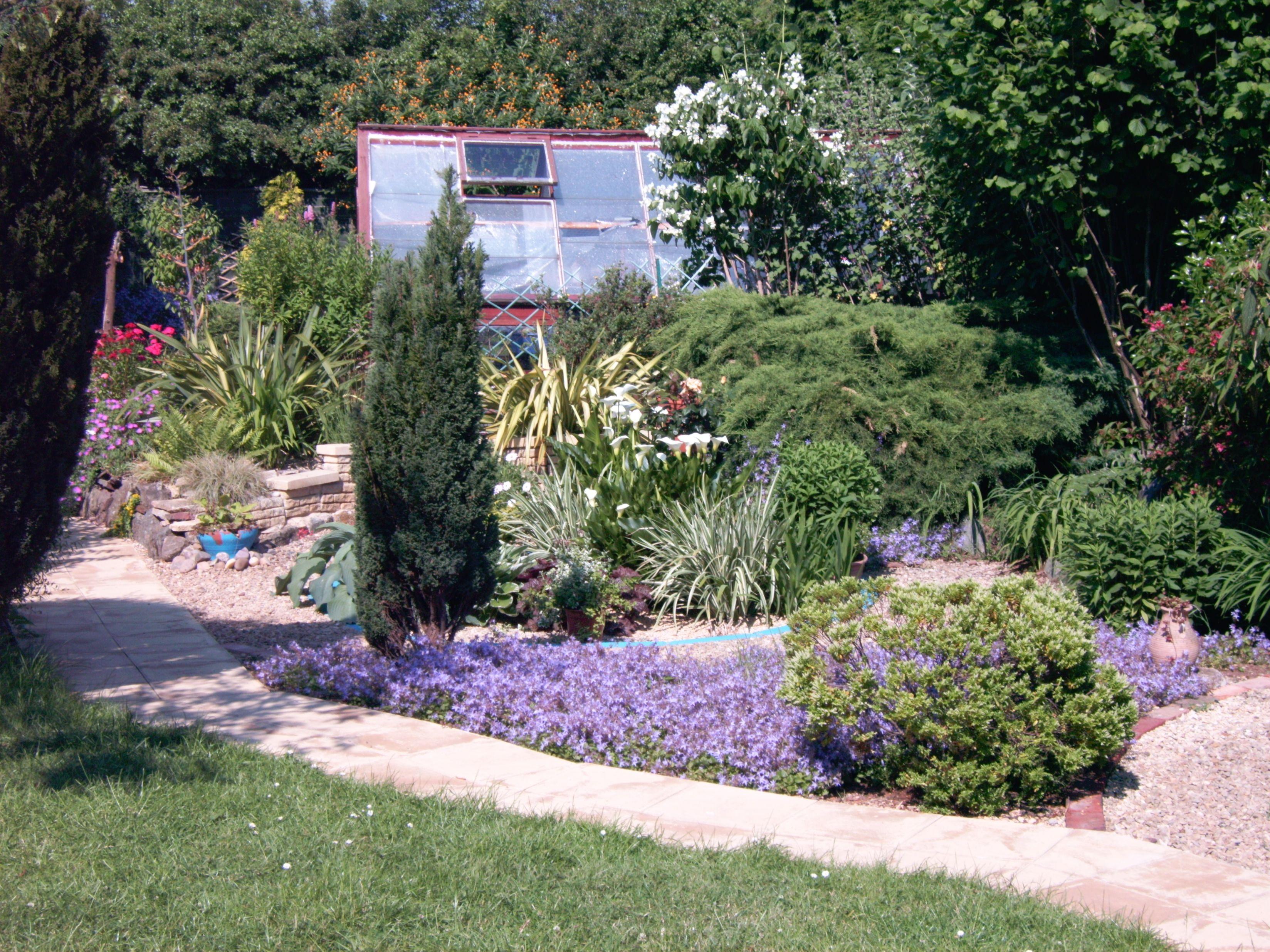 Landscaping diy anti burglar projects use these easy to do safety landscaping diy anti burglar projects use these easy to do safety tricks solutioingenieria Gallery