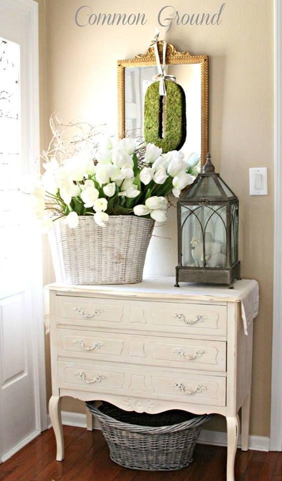 7 belles façons de décorer son entrée avec un miroir Astuces de - Comment Repeindre Un Meuble En Bois Vernis