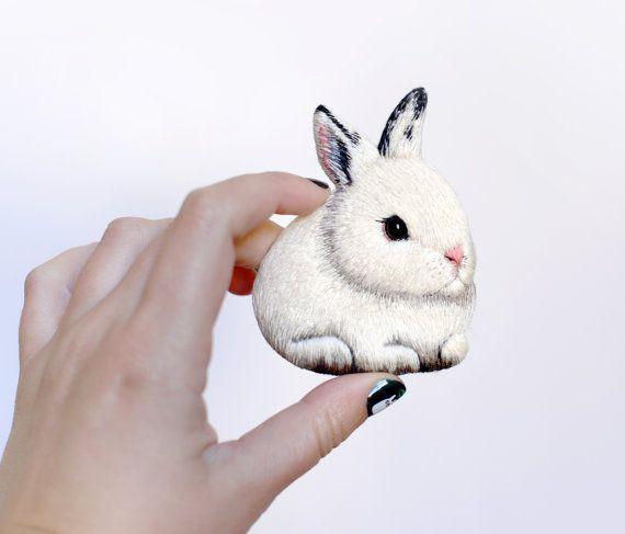 Broche de Bunny par cOnieco sur Etsy
