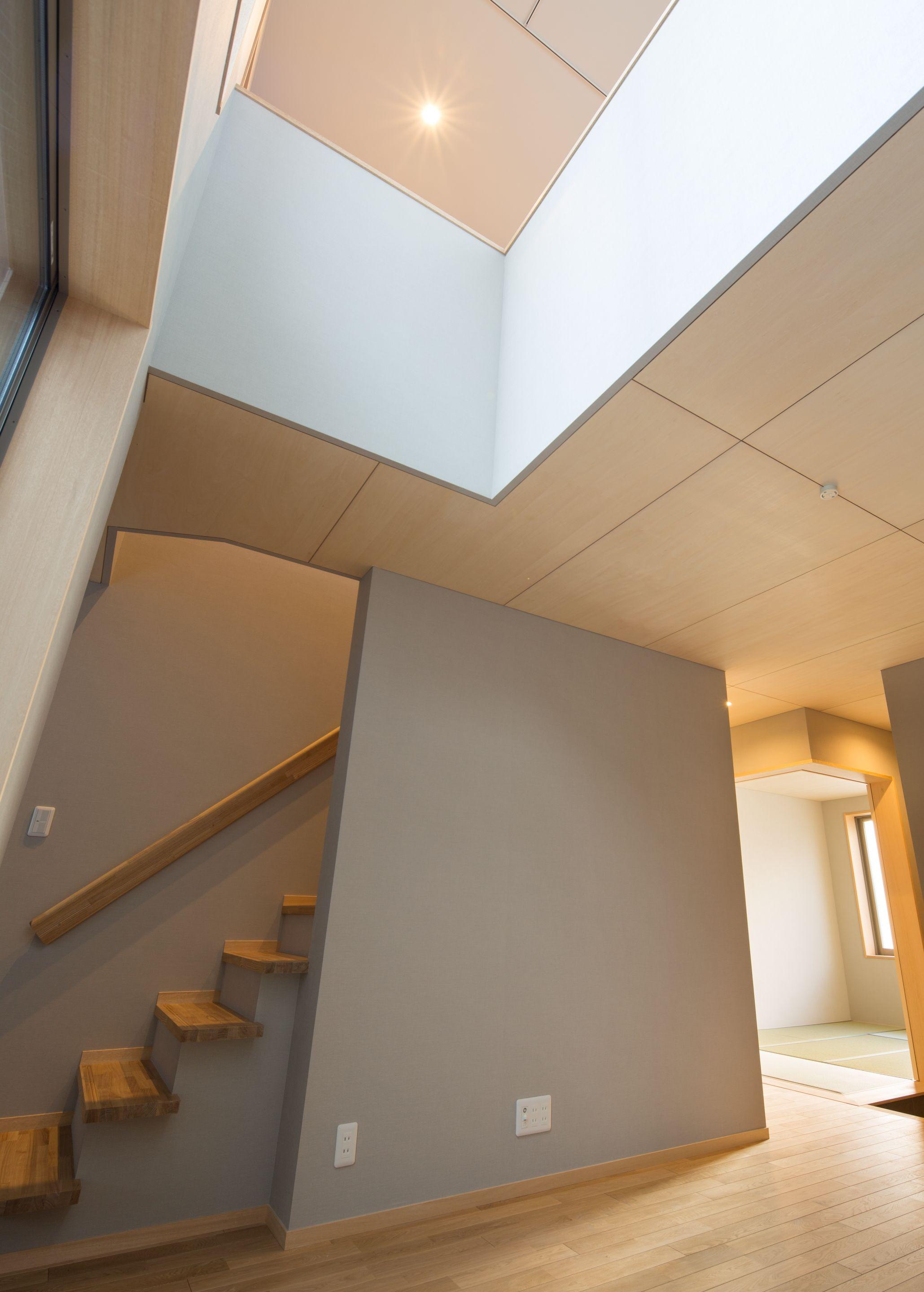 インテリア 天井はシナ合板 住宅 天井 家