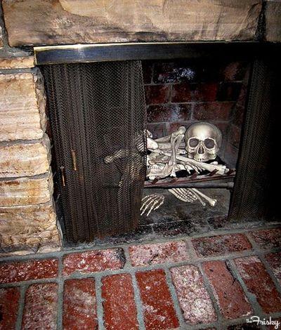 Skeleton In The Fireplace--So simple So creepy Hellacious - creepy halloween decor