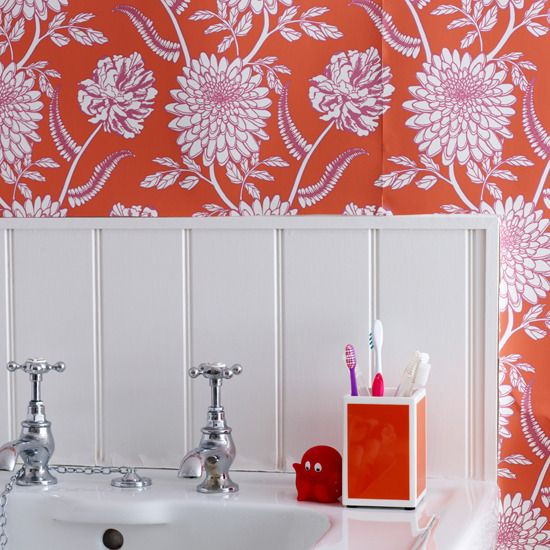 5 Ways to Make a Bold Statement in the Bathroom Red wallpaper