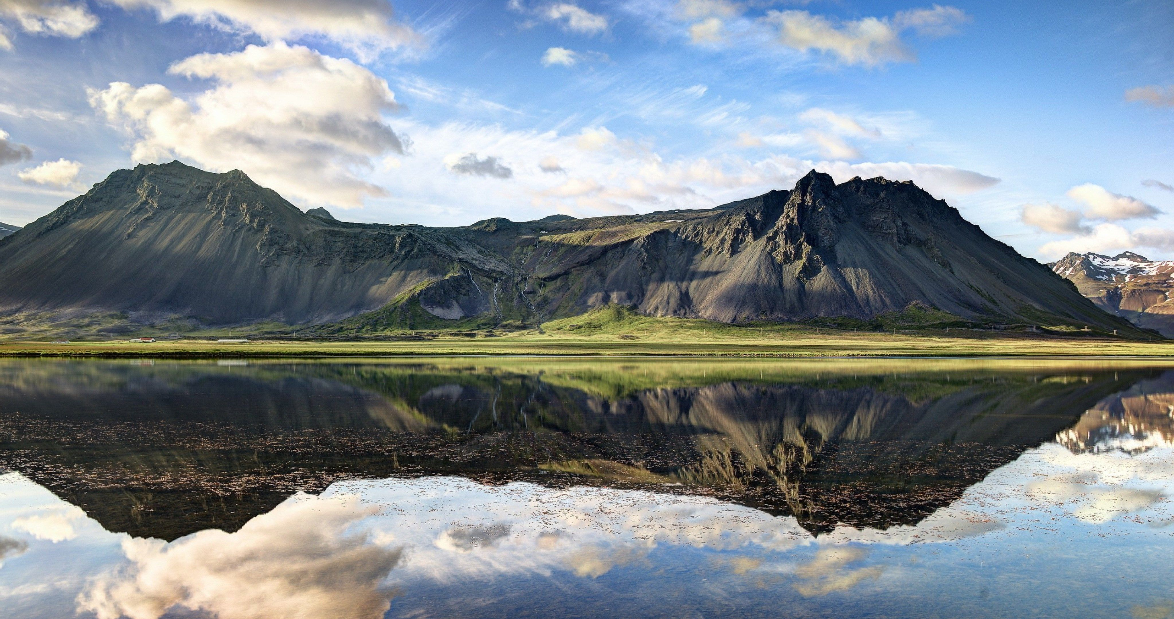 Mountain Reflection On Lake Wallpaper 4k Ultra Hd Wallpaper Iceland Landscape Mountain Reflection Iceland Travel