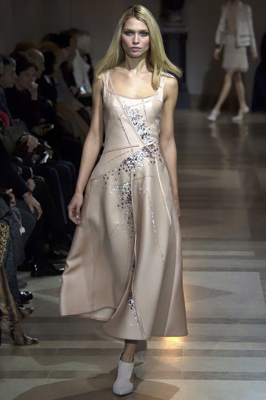 Carolina Herrera Fall 2016 Ready-to-Wear Fashion Show - Hana Jirickova