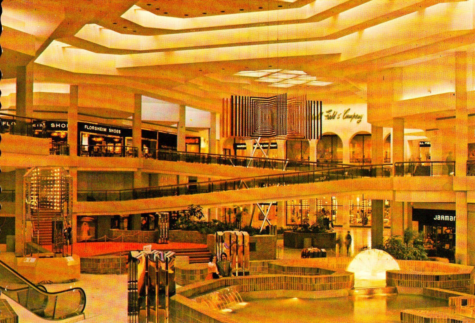 Woodfield Mall Schaumburg Illinois 1971  | Childhood