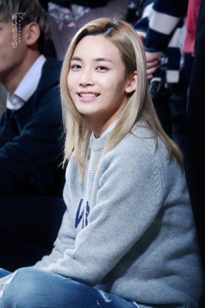c40049e2ee0 Long-haired Jeonghan