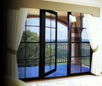 De aluminio grandes ventanales vidrio ventanas for Ventanales grandes de segunda mano