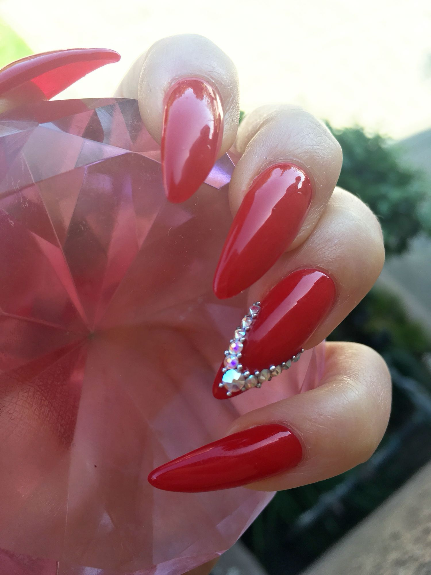 Love my red stiletto claws @ElleRizzles | Nails | Pinterest ...