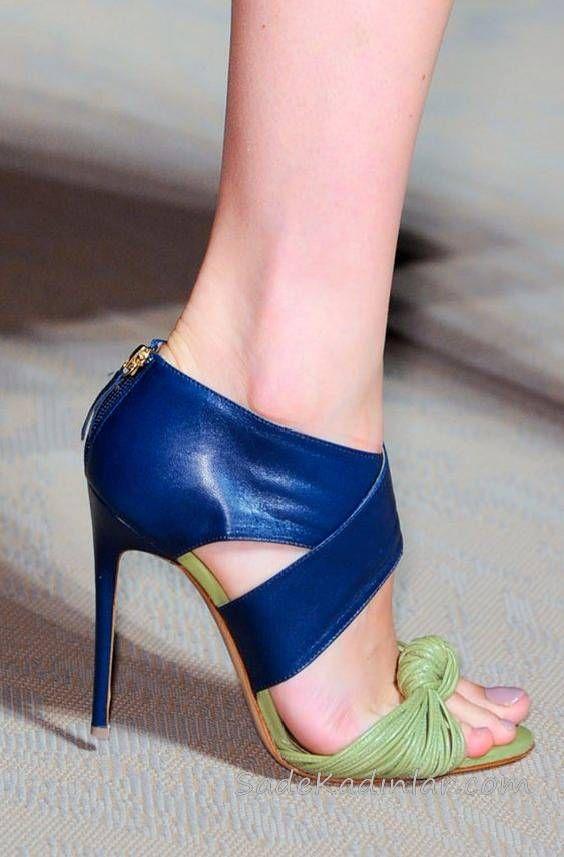 Topuklu Ayakkabı Modelleri Lacivert Bilekten Kemerli Önü Yeşil Düğümlü