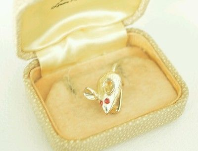 Vintage Dainty gold tone Mouse brooch with red rhinestone eyes