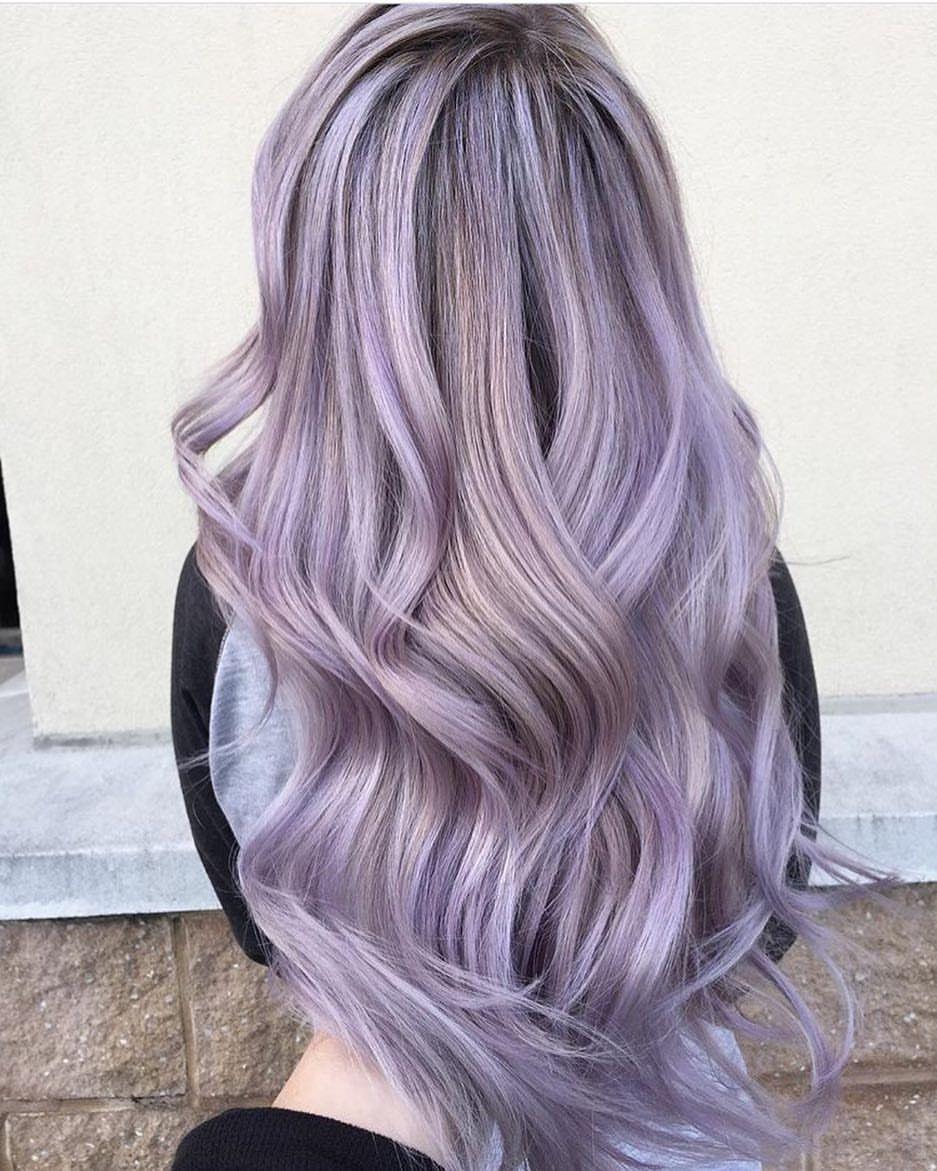 Silberne Haare Lila Grau Haarfarbe Strähnen Pastellfarben