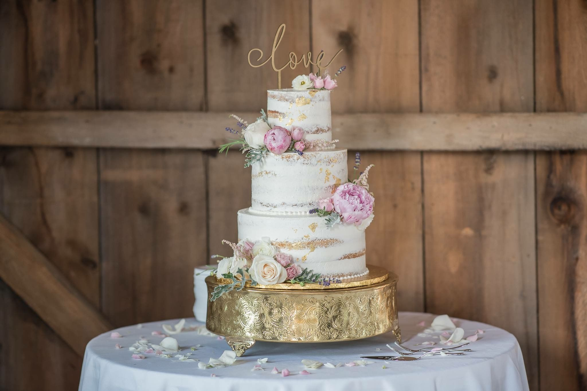 Wedding & Custom Cakes | Cake decorating classes, Cake ...