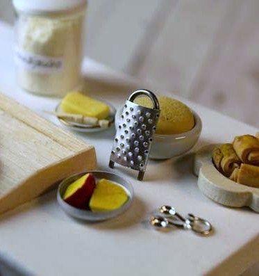 Casa De Muñecas En Miniatura Rallador De Queso