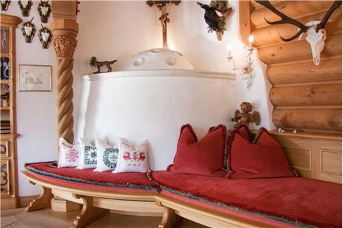 360 M² Landhaus Kauf 4 Schlafzimmer Located At
