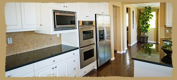 How Realtors Can Offer Move In Move Out Cleaning Services By Pairing With Traditional White Kitchen Cabinets Traditional Kitchen Cabinets Kitchen Remodel Small