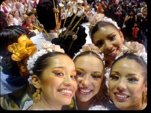 Alguna vez fuí bailarina de Folklor y me hizo feliz... Feliz Día de la Danza!
