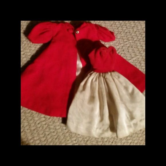 Original vintage Barbie outfit 1960s This is a four piece outfit comes with red and Silk off-white dress red velvet The dress is wrinkled needs to be ironed and silk flare out coat hat and clutch purse original vintage trade $150 the set Barbie and Ken by Mattel Accessories