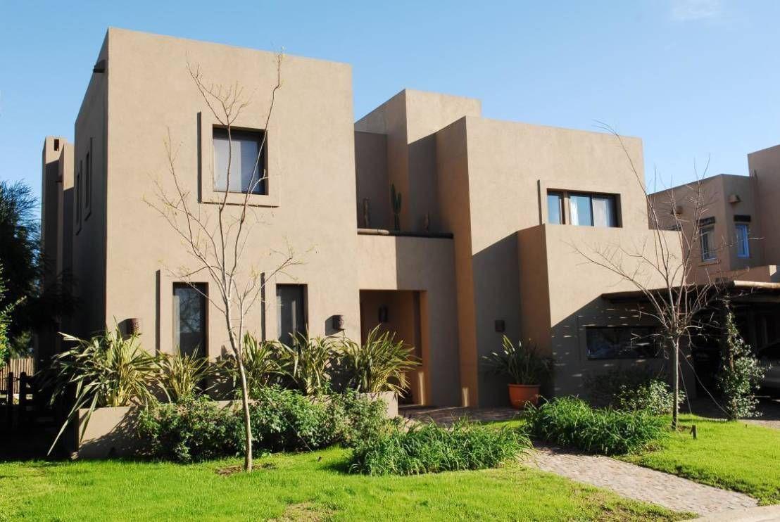 Casa tect nica interiores que abrazan fachadas estilo - Estilo arquitectura contemporaneo ...