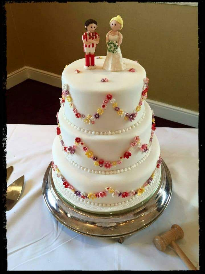 64 Amazing Wedding Cake Toppers Ideas To Make The Cake Unique For