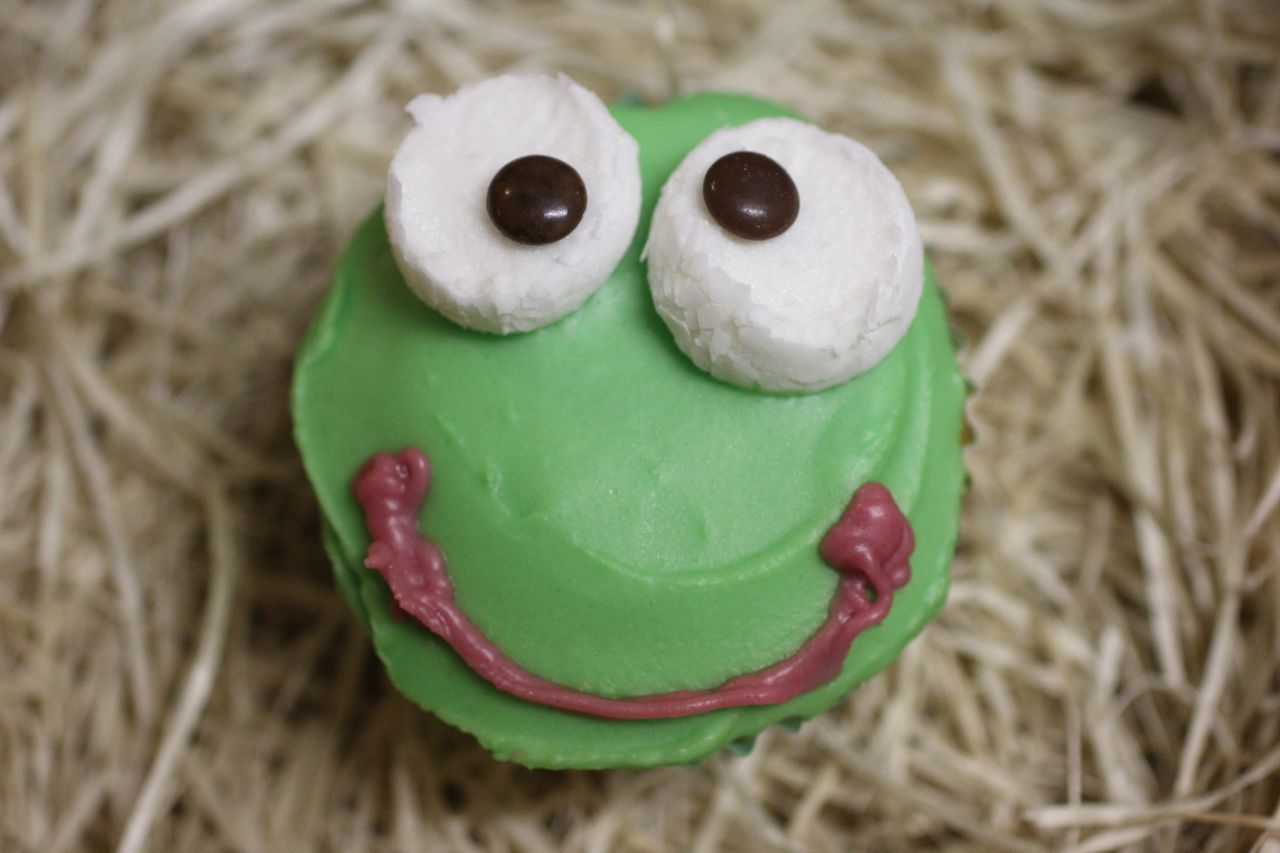 Animal cupcakes: chicks, pigs, frogs and mice | Animal ...