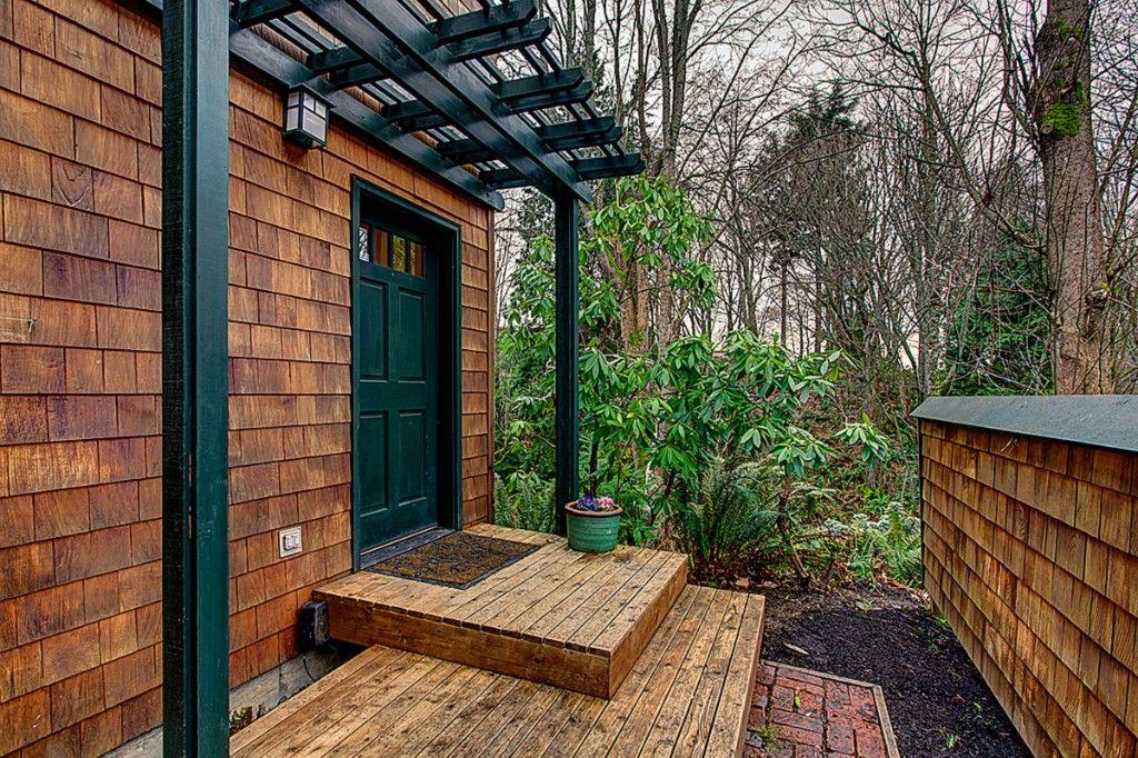 Best Cedar Shake Siding With Black Trim Brown House Exterior 400 x 300