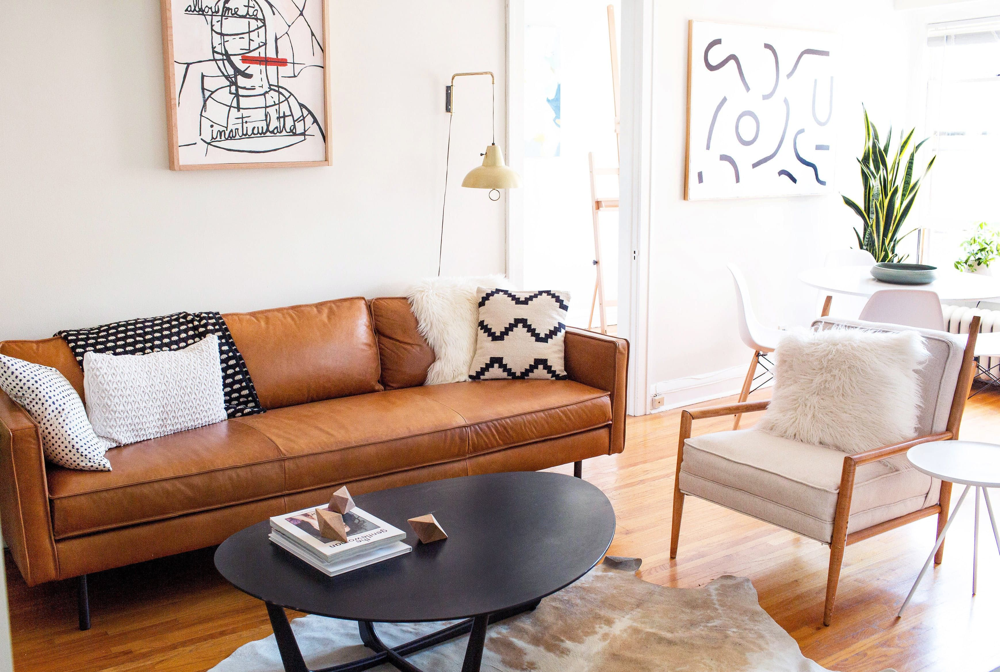 Beau The Axel Leather Sofa Steals The Show In This Artistu0027s Apartment!