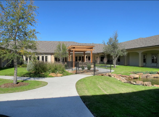 Situated Just Across The Road From The Gorgeous Timarron Country Club In Grapevine Dancing River Offers Assi Assisted Living Memory Care One Bedroom Apartment