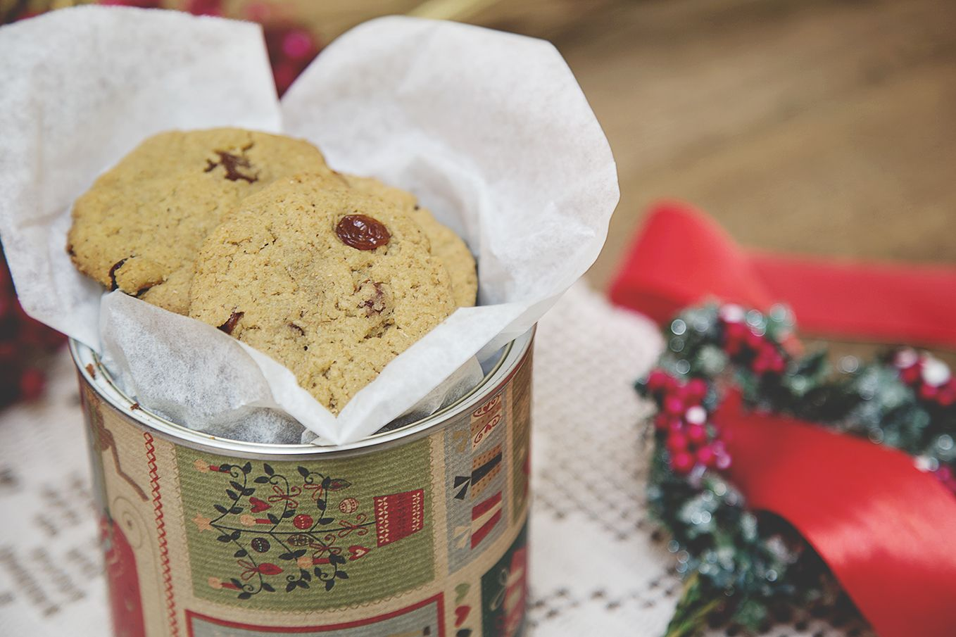 Sultanas Biscuits + Coffee tin can DIY