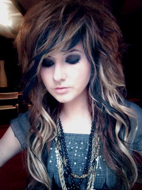 Wow, shes beautiful and I would love my hair to be that way
