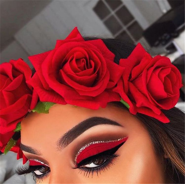 40 Amazing Red Eyeshadow Makeup Ideas For The Coming Valentine's Day - Page 23 of 40 - Cute Hostess For Modern Women