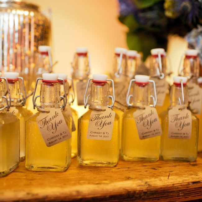 Thank You Gifts For Weddings: Homemade Limoncello Favors // Photo: Erik Ekroth