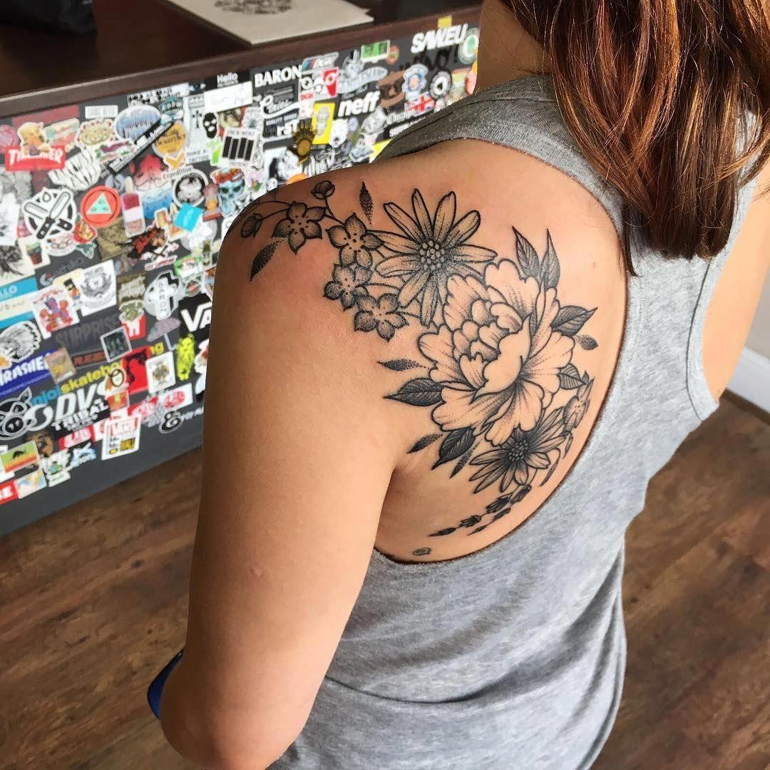 Flower Tattoo Floral tattoo shoulder, Shoulder tattoos