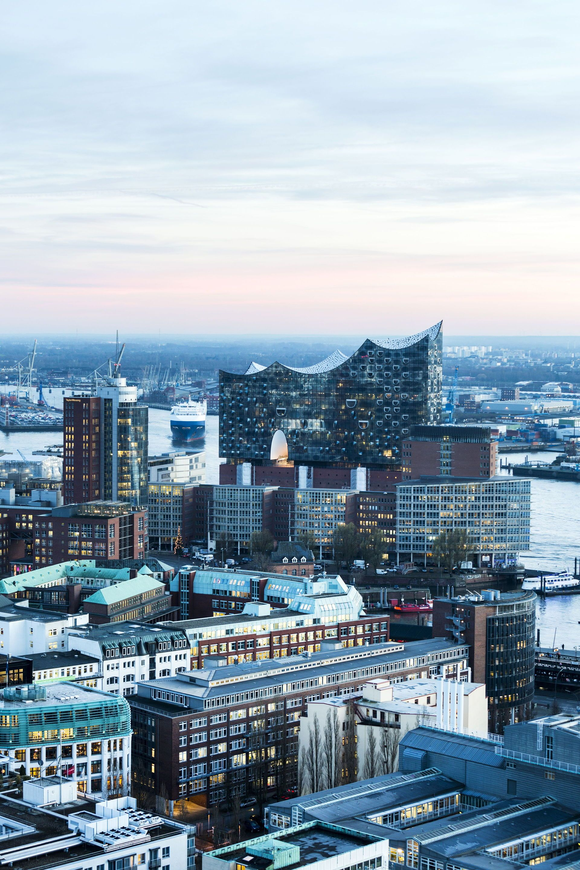 Herzog De Meuron S Hamburg Elbphilharmonie Floornature Hamburg New York Skyline Germany