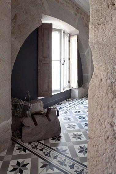 Carreaux de ciment au sol dans le salon Carodeco Powder Room
