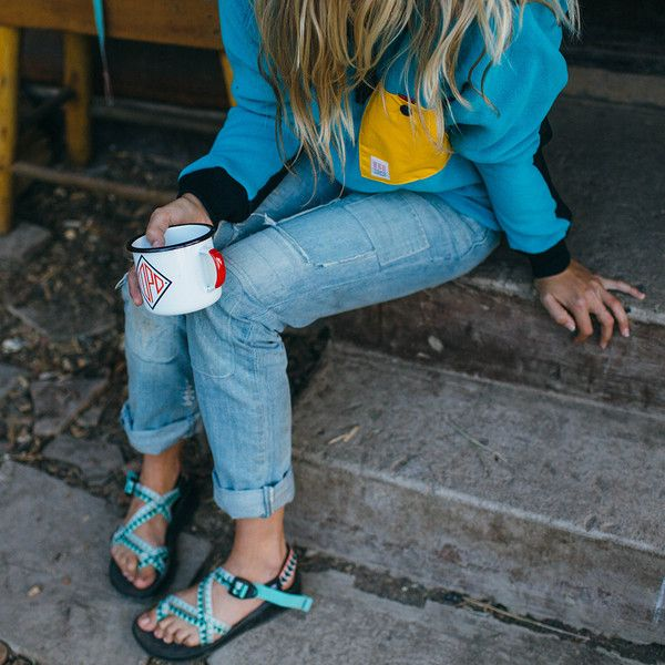 0cc9ec1c0f0 This collaboration sandal features PU midsole Chaco Cloud cushioning for  active comfort