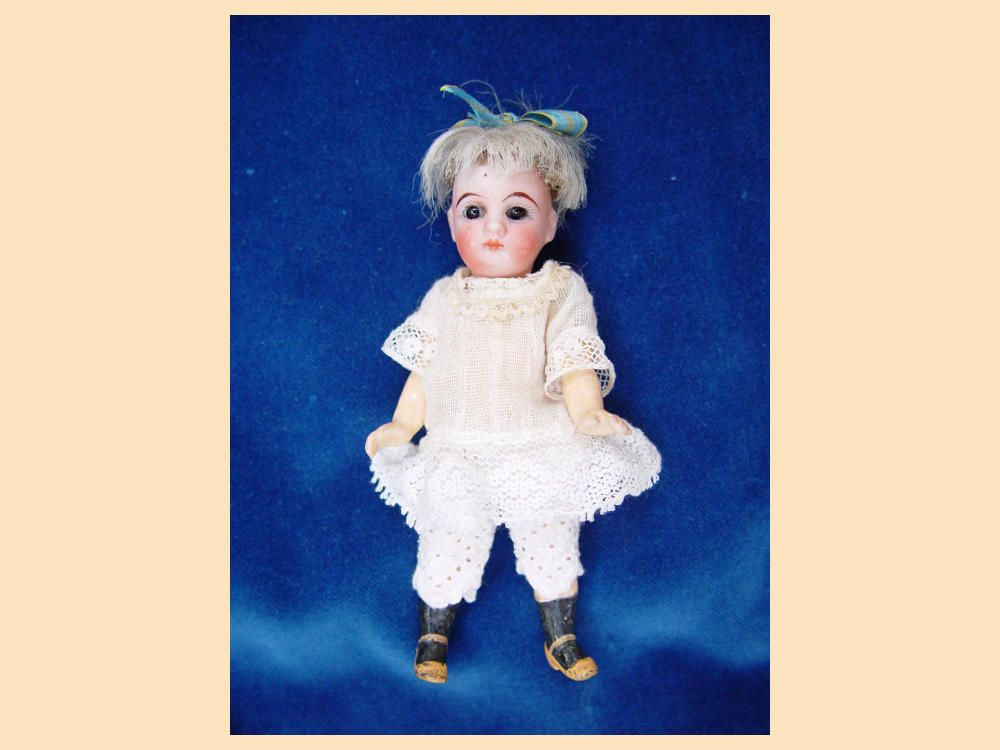 Antique Bisque Mignonette doll c1900 swivel head fixed eyes closed mouth CUTE | eBay
