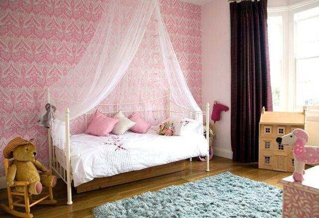 Exceptionnel Chambre Petite Fille Originale: Papier Peint Rétro Et Ciel De Lit