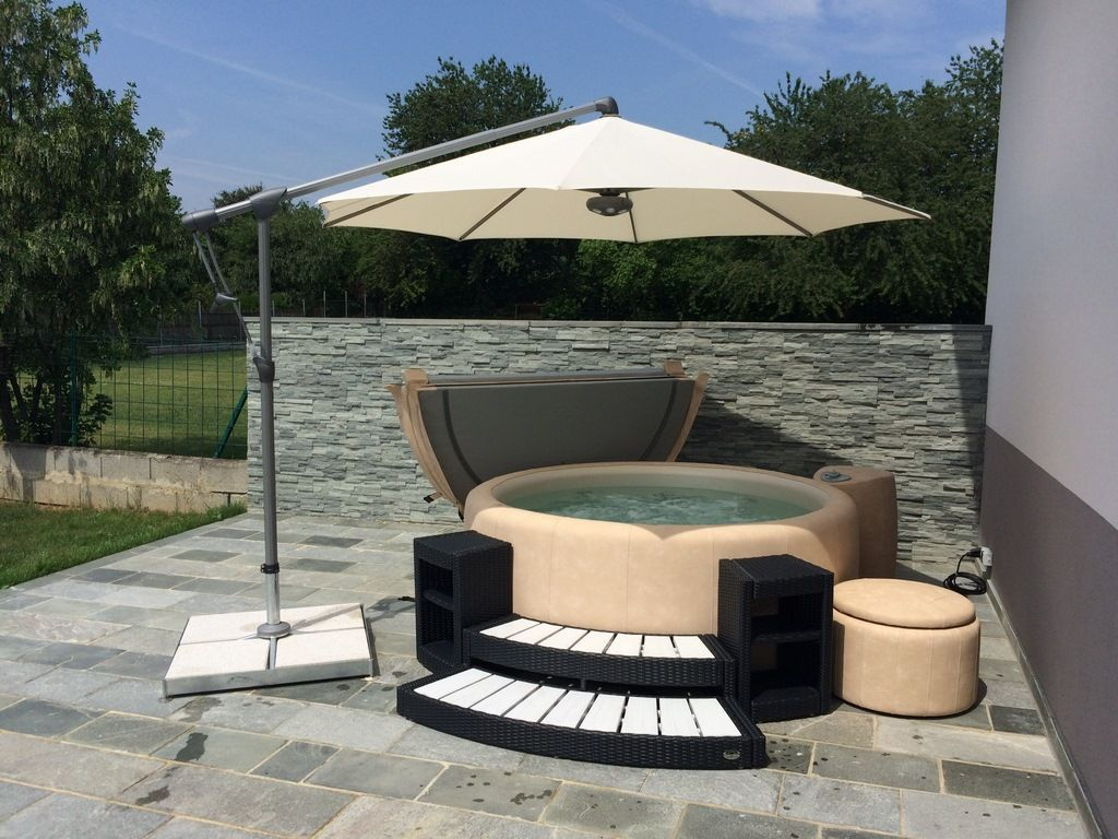 Softub Whirlpools Foto Gallerie in 2020 Whirlpool garten