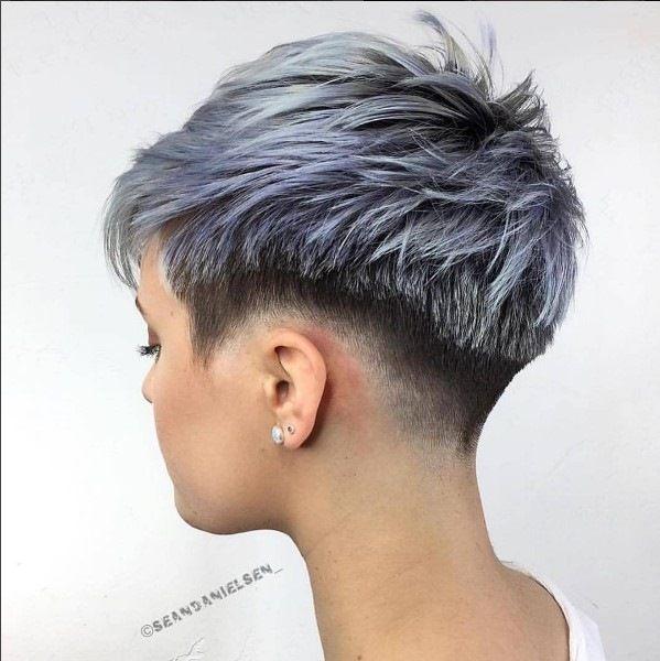 Silber Grau Haare Undercut Abgehackte Haarschnitte Freche Kurzhaarfrisuren Damen Kurzhaarschnitt Mit Undercut