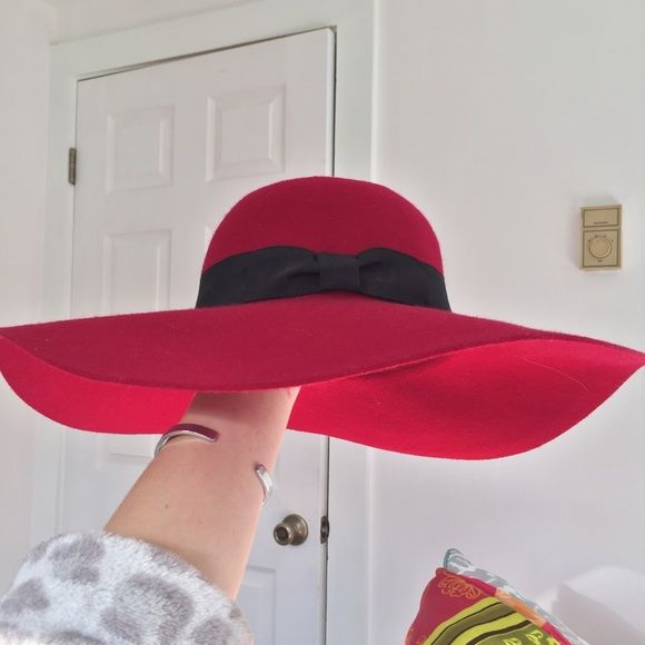 Boho Floppy Felt Sun Hat NWT I love this!! Again, red is no longer my color now that I'm an ash blonde.  Never worn with tags. Last pics are some style inspiration. Generously priced for its quality and condition so price is firm. ❤️ White House Black Market Accessories Hats