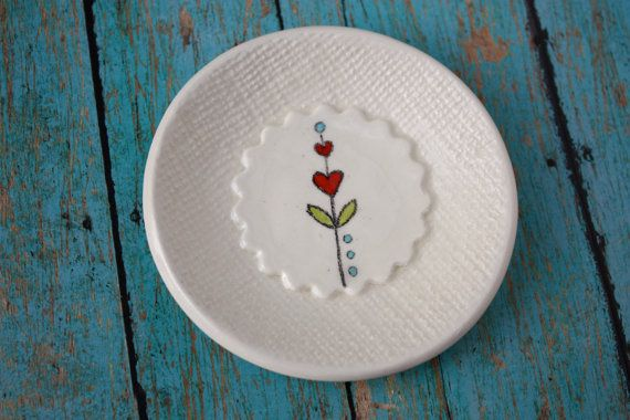 Small Ceramic Heart Flower Dish by TrailhouseStudio on Etsy & Small Ceramic Heart Flower Dish by TrailhouseStudio on Etsy ...