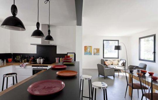 Maison moderne en Provence  le bon exemple Open kitchens, Kitchen - exemple de maison moderne