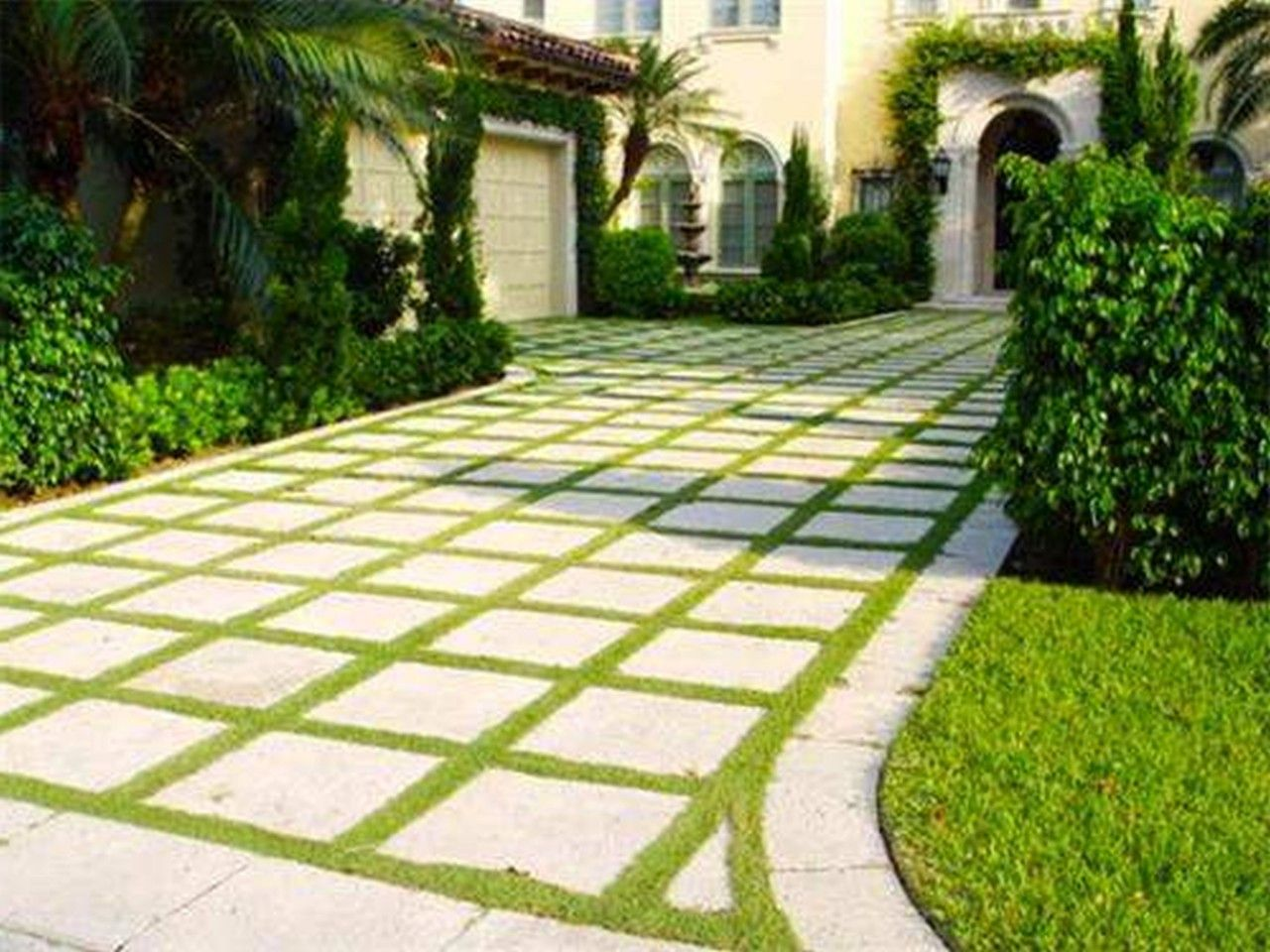 Small garden landscaping design ideas for front yard jpg - Front Yard Ladscaping With Plaid Pattern Cement Pavling Block And Green Grass With Small Backyard Design Also Front Yard Landscaping Ideas With Rocks