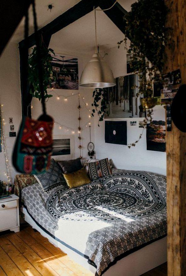 Bedroomboho Cozybedroom Apartment Dormroomdesigns Dormroom Bedroominspo Bohemian Bedroom Decor Aesthetic Bedroom Bedroom Decor Cozy