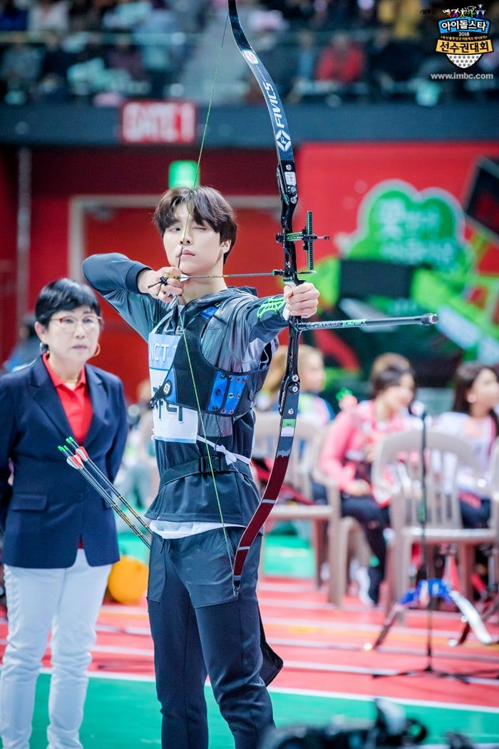 2018 Idol Star Athletics Championships Releases Photos From Archery Event Soompi Nct Johnny Nct 127 Johnny Nct