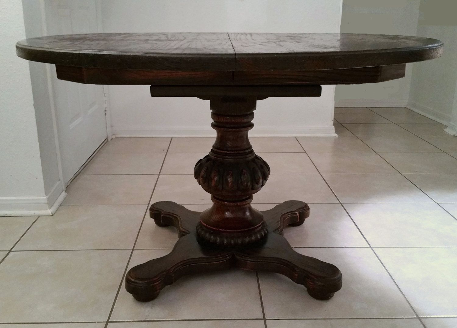 antique pedestal with five leaves round oak ibon table img antiques