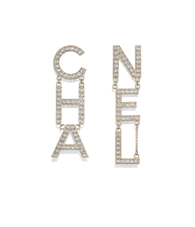 Metal Gold Earrings CHANEL US 샤넬 귀걸이, 샤넬 패션, 귀걸이