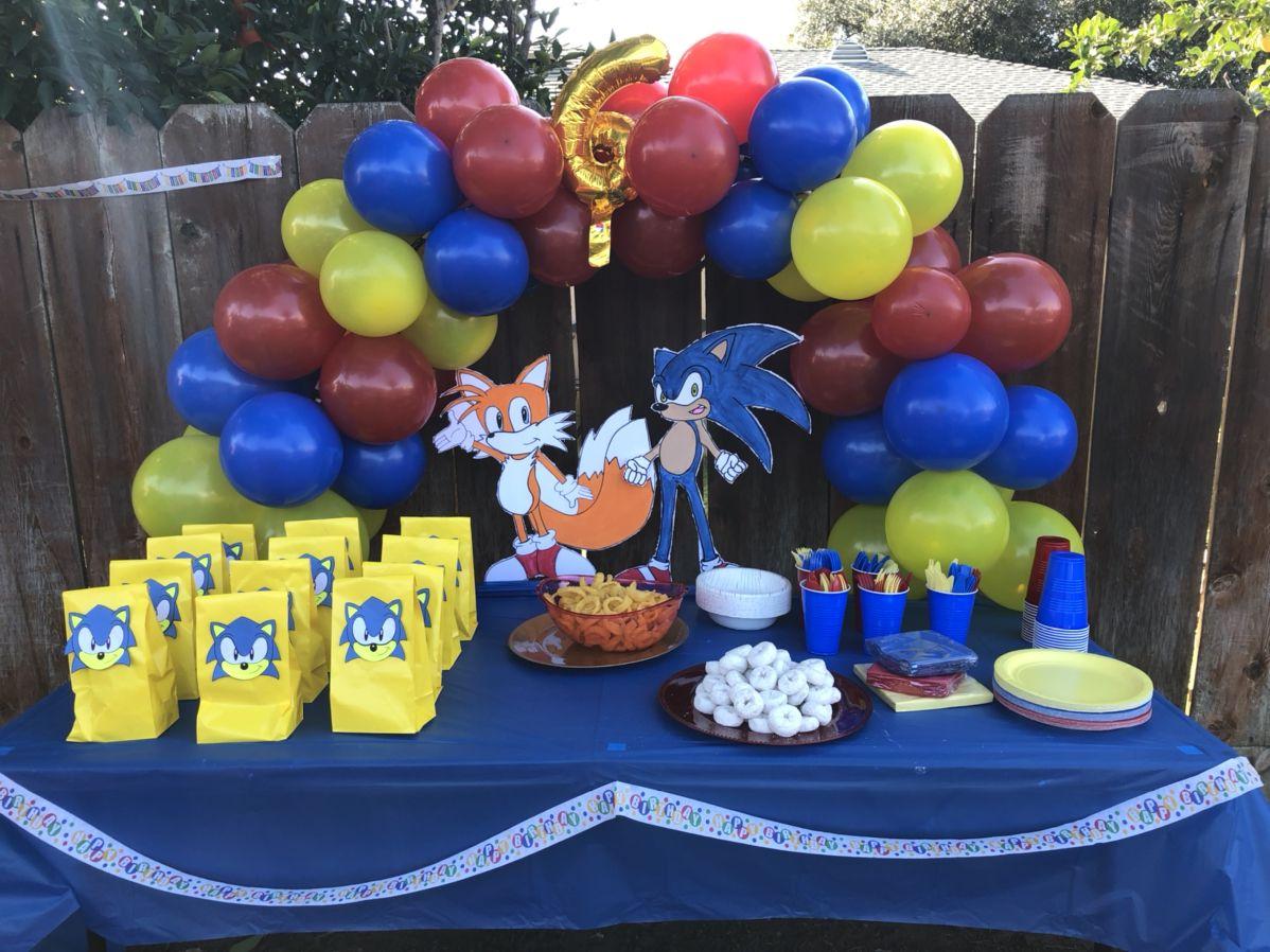 Diy Sonic The Hedgehog Birthday Decorations In 2020 Hedgehog Birthday Sonic Birthday Ninja Turtle Birthday Cake