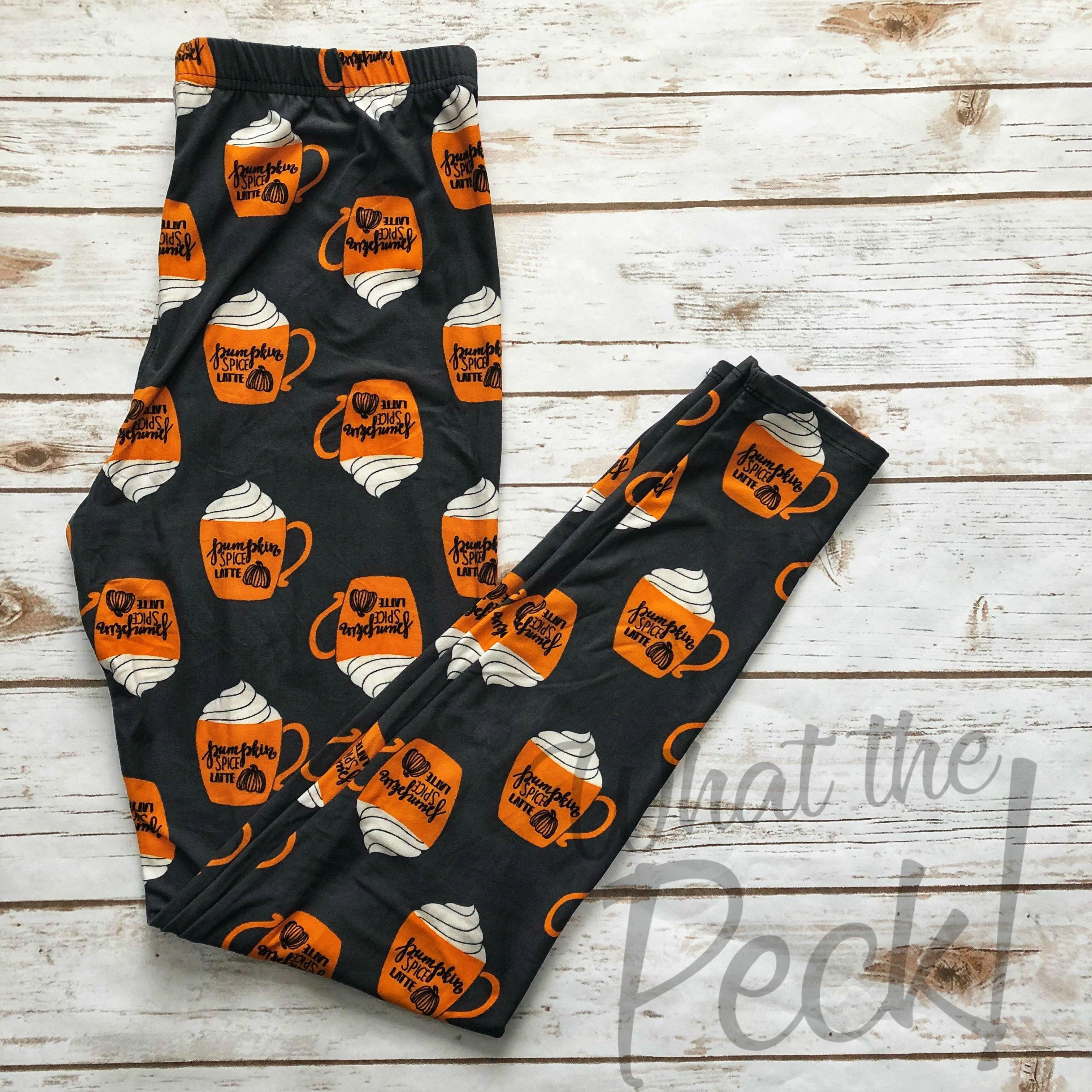 Amelia James Leggings Curvy Pumpkin Spice Latte Gray Background #ameliajames #leggings #pumpkinspice #pumpkin #latte