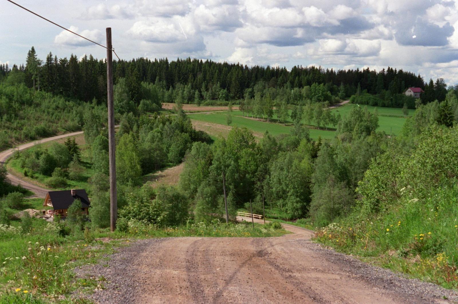Kuva: VL arkisto > Maaseudun asukkaat päättävät ja maksavat itse asumisestaan, kirjoittaa Petri P. Pentikäinen